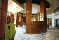 curved-wall-panels-column-wraps-install